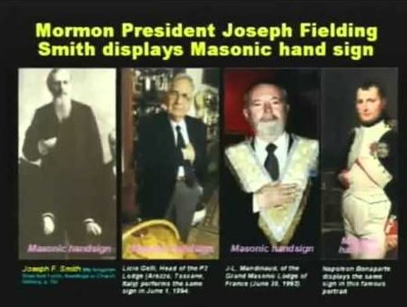 Mormon president shows Masonic handsign